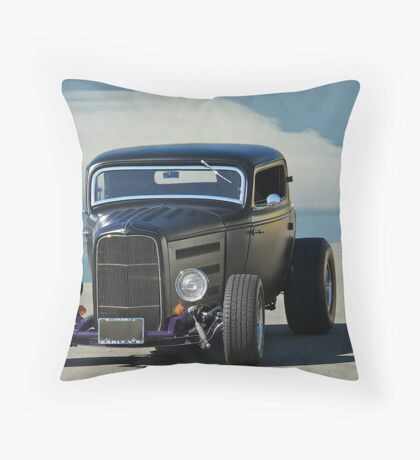 1932 Ford Coupe - Front View Throw Pillow