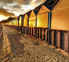 Beach hut in the gloaming by AuraTodd