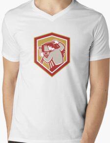 Vintage Film Camera Shield Retro Mens V-Neck T-Shirt