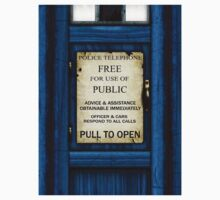 Free For Use Of Public - Tardis Door Sign by Ra12