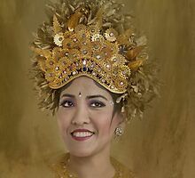 Balinese gold 2 by Jan Pudney