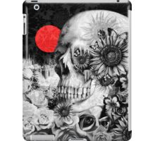 Fire in the dark, night skull iPad Case/Skin