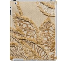 Brown fur and white base forming an leaf pattern iPad Case/Skin