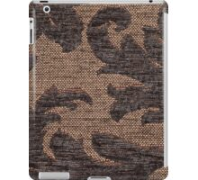 Dark brown fur and yellow base forming an curved leaf pattern iPad Case/Skin