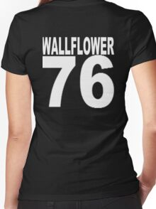 Wallflower Women's Fitted V-Neck T-Shirt
