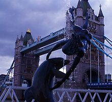 tower bridge water fountain by madsc0tsman