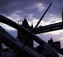 tower bridge sun dial by madsc0tsman