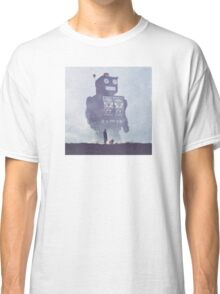 BEWARE THE GIANT ROBOTS! Classic T-Shirt