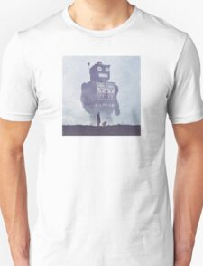 BEWARE THE GIANT ROBOTS! T-Shirt