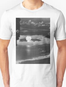 Mushroom Cloud Operation Crossroads Nuclear Weapons Test (July 1946) T-Shirt
