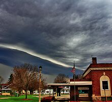 Shelf Cloud and Bank by EBArt