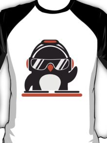 Penguin deejay mixer T-Shirt