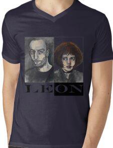 Léon: The Professional Mens V-Neck T-Shirt