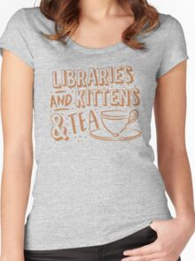 LIBRARIES and kittens and tea (just a few of my favourite things!) Women's Fitted Scoop T-Shirt