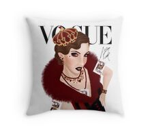 Queen of Hearts ( white version) Throw Pillow