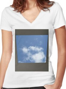 Skyspace by James Turrell (Yorkshire Sculpture Park) Women's Fitted V-Neck T-Shirt