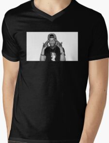 FREDO SANTANA Mens V-Neck T-Shirt