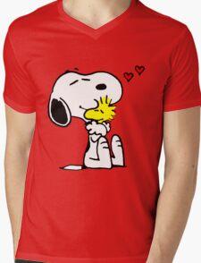 Snoopy and Woodstock Hug Mens V-Neck T-Shirt