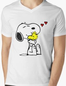 Snoopy and Woodstock Hug Mens V-Neck T-Shirt