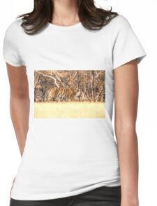 Tiger on the move Womens Fitted T-Shirt