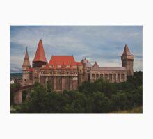 Hunyadi Castle (Corvin's Castle) in Hunedoara, Romania Kids Tee