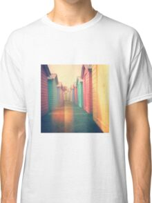 Beach Huts 02D - Retro Classic T-Shirt