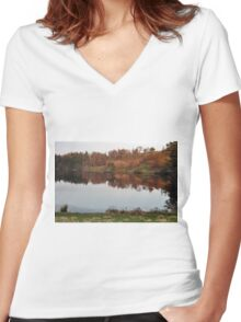 Tarn Hows - Autumn Colours Women's Fitted V-Neck T-Shirt