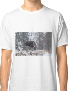 Moose in a snow storm Classic T-Shirt