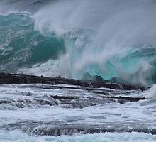 Breaking Wave by Porridgewog32