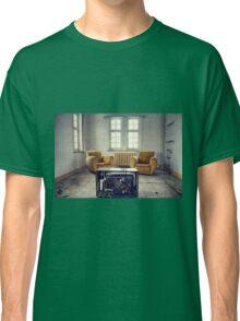 TV room Classic T-Shirt