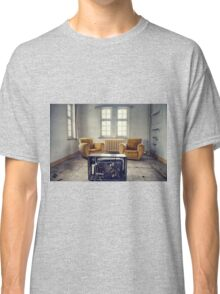TV room Classic T-Shirt