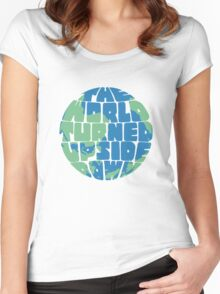 Hamilton - the world turned upside down - green & blue Women's Fitted Scoop T-Shirt