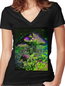 Psychedelic Mushroom Love Women's Fitted V-Neck T-Shirt