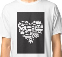 I heart gaming (graphic tees, mugs, and more!) Classic T-Shirt