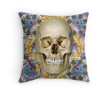 dream skull psychedelia Throw Pillow