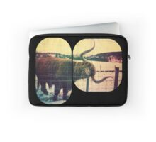 Retro Heeland Coo Laptop Sleeve
