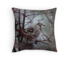 Northern mockingbird in the berry bush Throw Pillow