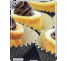 Mini Cheesecakes with a dab of ganache! iPad Case/Skin