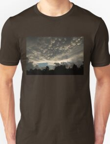 Bizarre Mammatus Clouds After a Thunderstorm Unisex T-Shirt