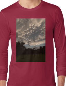 Summer Storm Aftermath - Extraordinary Mammatus Clouds Long Sleeve T-Shirt