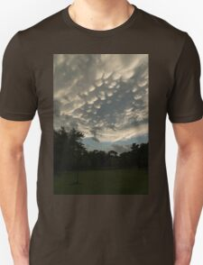 Summer Storm Aftermath - Extraordinary Mammatus Clouds Unisex T-Shirt