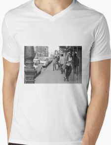 Collector, On the Way to M.Cartier Bresson Paris 1975 5 (n&b)(t) by Olao-Olavia par Okaio Création Mens V-Neck T-Shirt