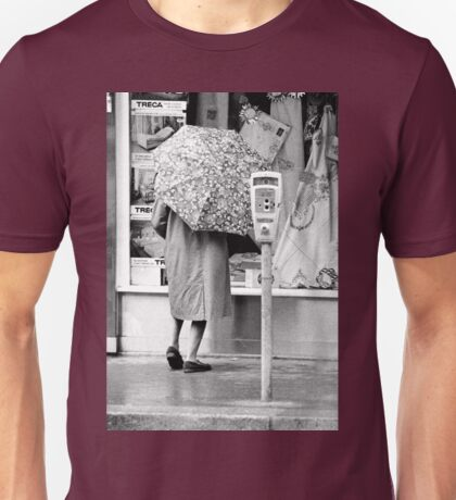 Collector, On the Way to M.Cartier Bresson Paris 1975 11 (n&b)(h) by Olao-Olavia par Okaio Création Unisex T-Shirt