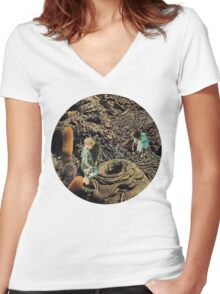 Looking for the lost toys, Vintage Collage Women's Fitted V-Neck T-Shirt