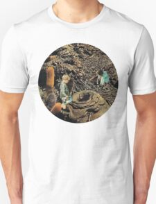 Looking for the lost toys, Vintage Collage Unisex T-Shirt
