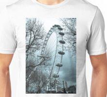 London Eye On a Cold Rainy Day Unisex T-Shirt