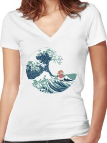 Ponyo and The Great Wave off Kanagawa - Moderne Women's Fitted V-Neck T-Shirt