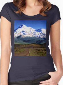 Mt. Shasta Graphic Women's Fitted Scoop T-Shirt