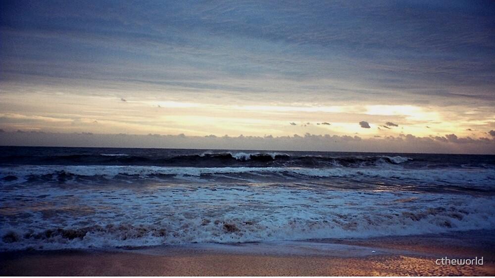 Breaking Waves   ^ by ctheworld