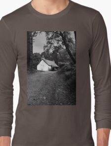 The cottage down the lane Long Sleeve T-Shirt